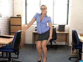 Promiscuous Round Chick Beth Get Snaked And Dances In The Office