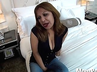 Meaty Natural Tits Mexican Cougar Behind The Scenes