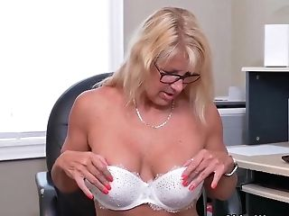 Canadian Mummy With Blonde Hair, Bianca Is Fondling Her Flawlessly Clean-shaven Muff, Before Going To Work