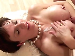 Adulterous Brit Matures Lady Sonia Showcases Her Large Puppies
