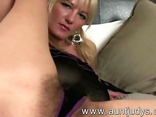 Total-pubic Hair Big Jugged Mummy Vanessa Masturbates