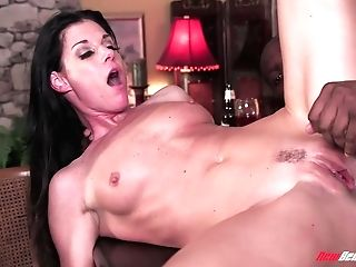 Horny Milky Woman India Summer Goes Black In Front Of Her Spouse