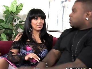 Big-chested Cougar Sienna West Gives Suck Off To A Big Black Cock