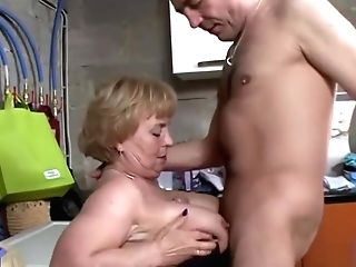 Older Woman And Master! Fine Scam And Guzzling!