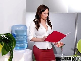 Horny Manager Johnny Castle Is Fucking Sexy Assistant Lily Love In The Office