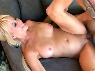 Erica Lauren Is A Sex-positive Hook-up Crazed Woman And Wants To Be Recognized As Such