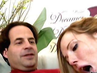 Matures Dude Gets Awesome Oral Job From Nichole Taylor