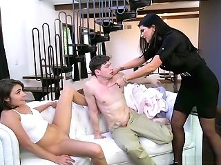 Sexhungry Mummy Catches A Youthful Duo Fornicating On The Couch