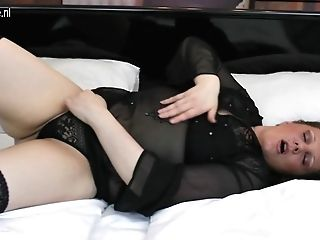 Sexy Matures Housewife Loves Her Big Faux-cock - Maturenl